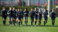 Las jugadoras del Barcelona realizan un entrenamiento.