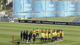 La plantilla del Espanyol se ejercita en la Ciudad Deportiva.