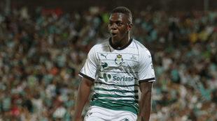 El colombiano tiene en la mira el cetro para Santos.