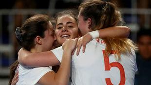Las jugadoras españolas celebran un gol.