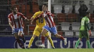 Escriche corre para celebrar el gol que la clasificación al Lugo