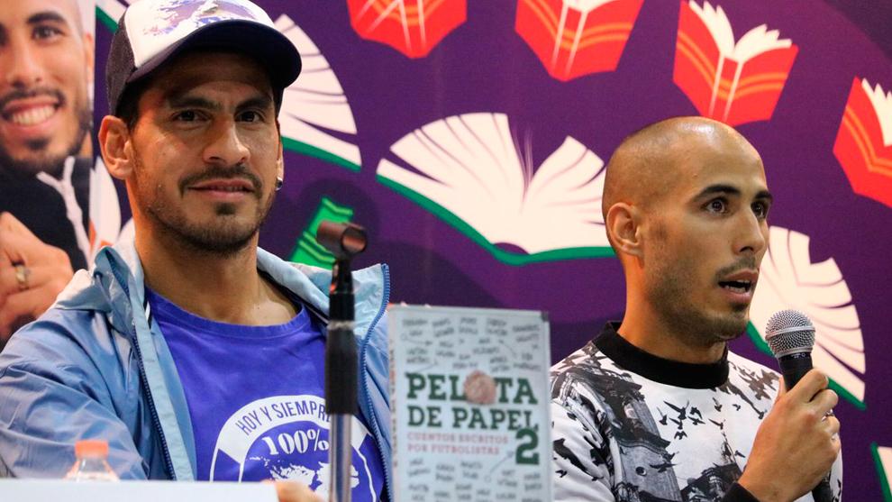Nahuel Guzmán y Guido Pizarro presentan el libro Pelota de Papel 2