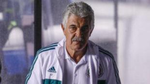 Ricardo Ferretti durante el partido ante Chile.
