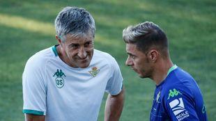Setién, charlando con Joaquín
