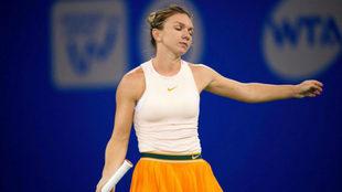 Simona Halep durante el partido frente a Dominika Cibulkova en el...
