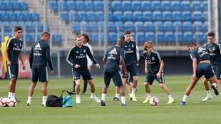 Gareth Bale, durante la sesión de entrenamiento en Valdebebas