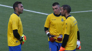 Diego López y Roberto Jiménez, junto a Edu Frías, en una sesión.