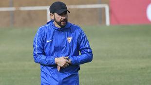 Pablo Machín, durante un entrenamiento del Sevilla.