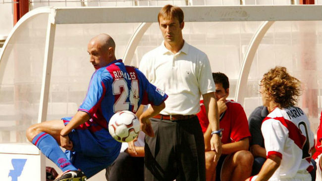 Rubiales controla ante Lopetegui, en una imagen de 2003