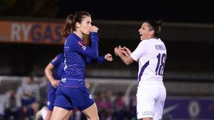 Karen Carney celebra un gol con el Chelsea.