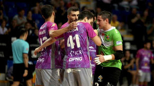 Los jugadores del Palma Futsal celebran un gol.