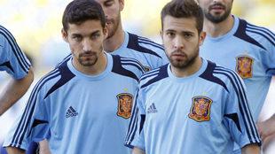 Jesús Nabas y Jordi Alba, con la selección.