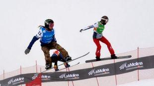 Las prueba de snowboard cross, todo un espectáculo para el público.