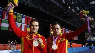 Jordi Morales y Álvaro Valera, con las medallas