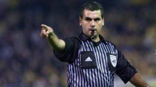 Brito Arceo cuando era árbitro en activo.