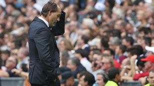 Julen Lopetegui, con gesto contrariado durante el Real Madrid-Levante.