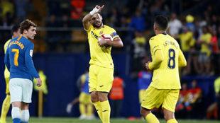 Mario y Fornals, tras conseguir el Villarreal el gol del empate contra...