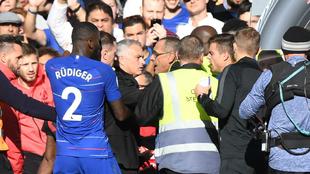 José Mourinho, durante el incidente contra el Chelsea tras el partido...