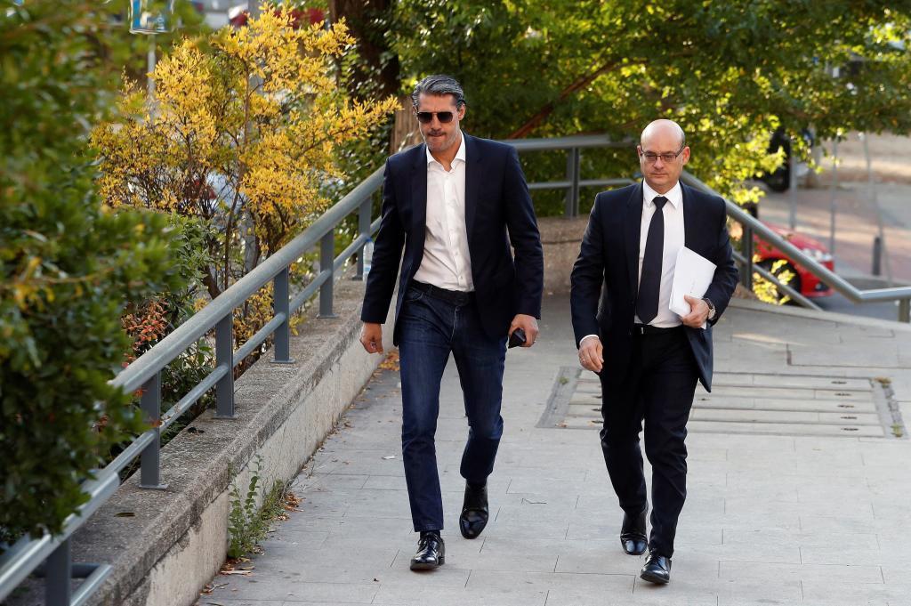 Caminero llega a la Audiencia Provincial de Madrid acompañado de su...