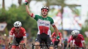 Elia Viviani, ganador de la tercera etapa de la Vuelta.