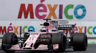 Checo Pérez durante el Gran Premio de México de 2017.