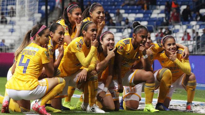 Monterrey Vs Tigres Tigres Femenil Se Lleva Un Clasico Regio Espectacular Marca Claro Mexico