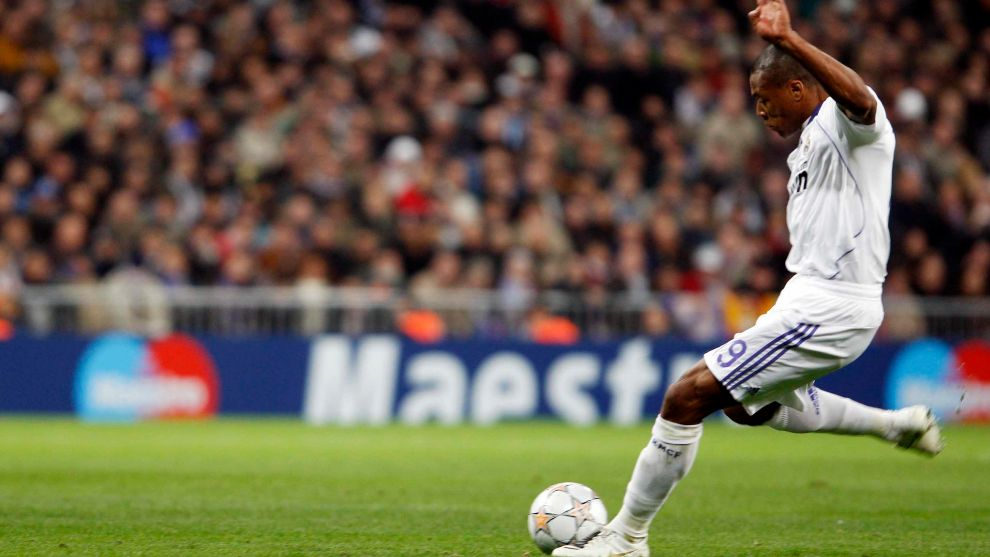 Julio Baptista durante un partido con el Real Madrid