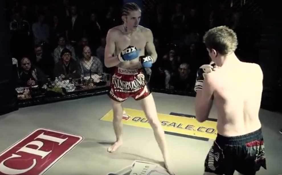 Louis Nicholson en un combate de MMA (Artes Marciales Mixtas)