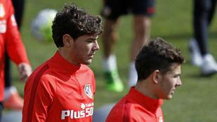 Theo y Lucas, durante un entrenamiento con el Atlético.