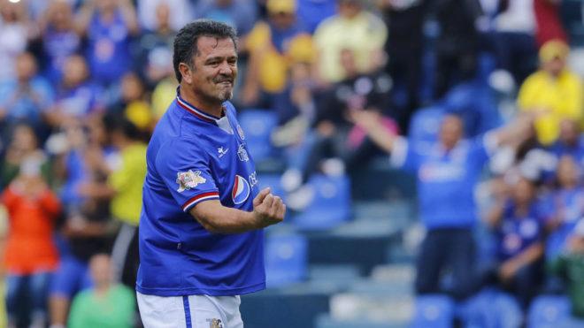 1578e553295 Hermosillo festeja un gol en la despedida del Estadio Azul.