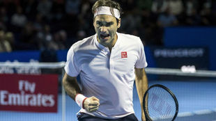 Federer celebra un punto