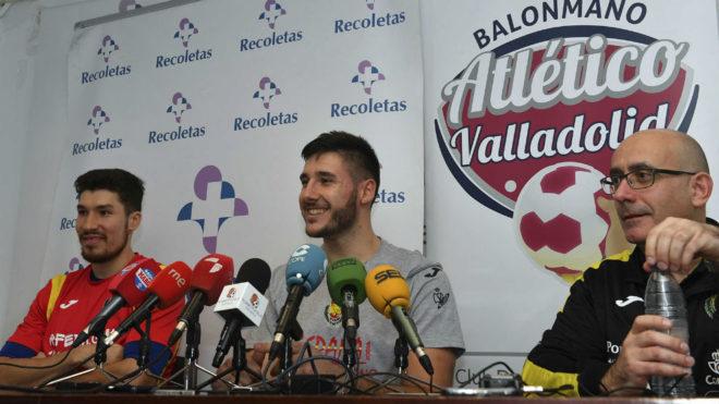Jordi Ribera, Álex Dujshebaev y Abel Serdio, en la rueda de prensa...