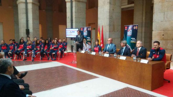 Un momento de la presentación en la Puerta del Sol.