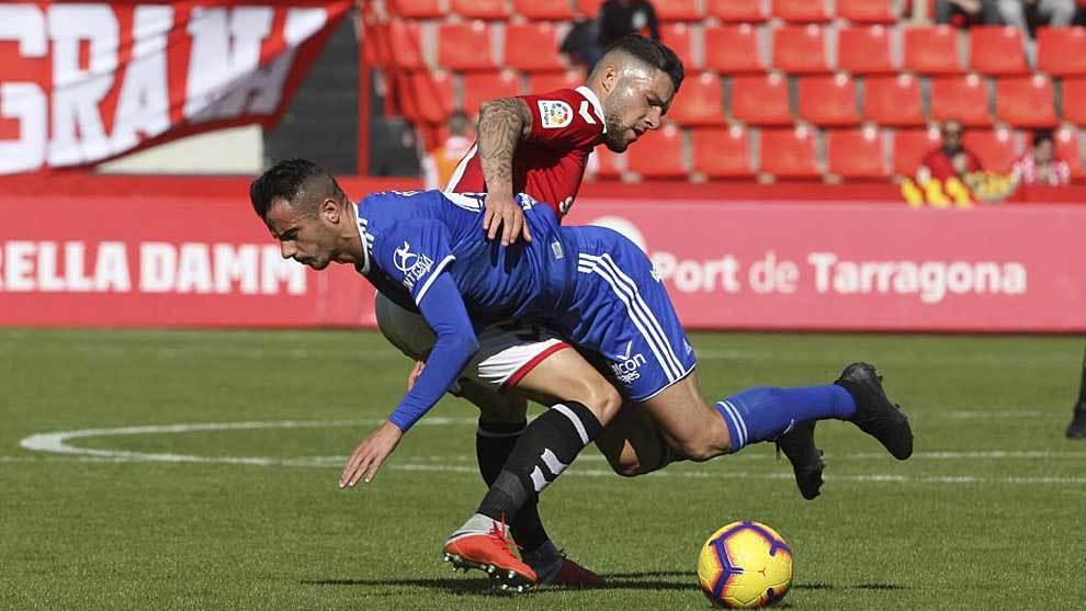 Una imagen del partido del Real Oviedo en el Nou Estadi tarraconense