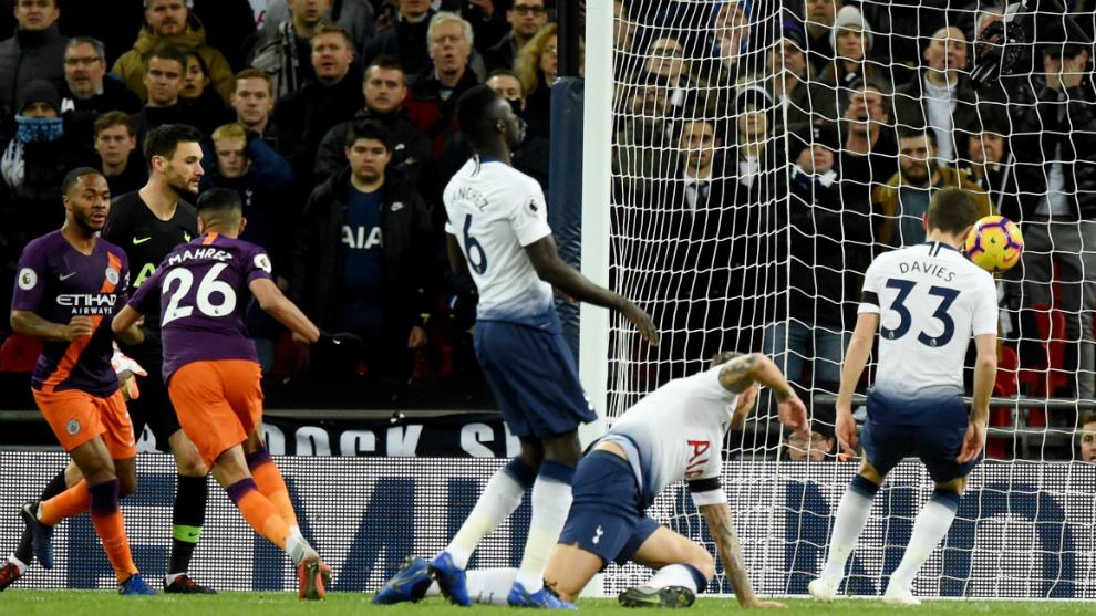 Mahrez anota el único gol del partido.