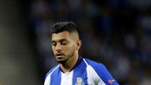 El mexicano jugó 45 minutos en la victoria del Porto