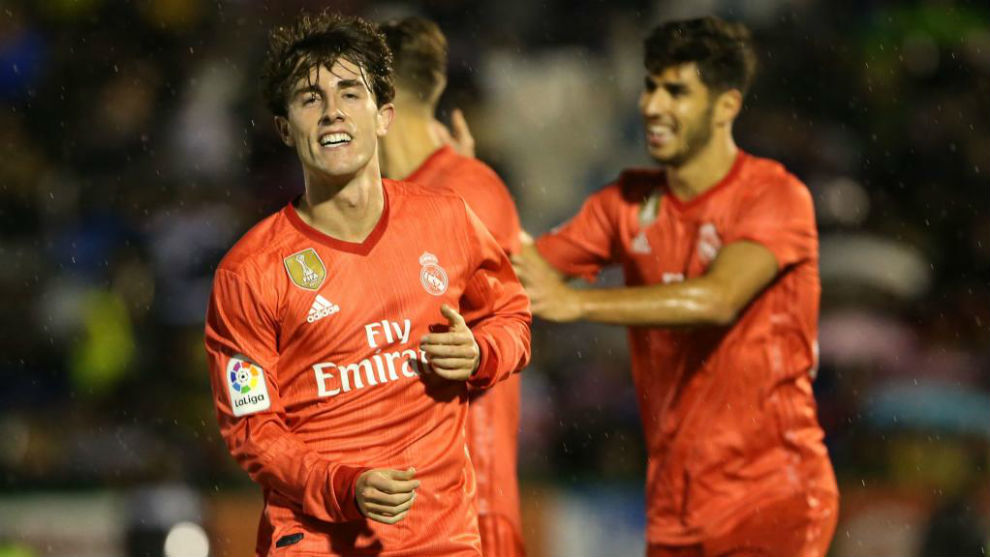 Odriozola celebra el gol que marcó al Melilla en Copa.