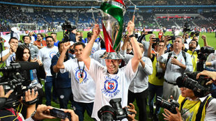 Pedro Caixinha estuvo en las gradas del estadio.