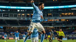 Villa celebra su gol ante Philadelphia.