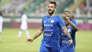 Negredo celebra un gol con Al-Nasr.