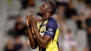 Usain Bolt durante un partido con el club australiano