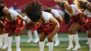 El equipo de animadoras de los 49ers en un partido anterior.