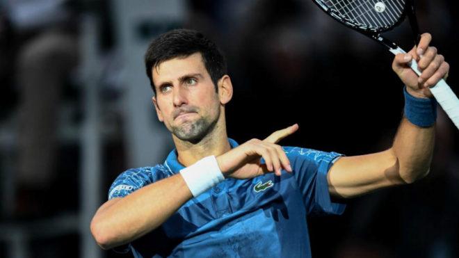 Novak Djokovic celebra su victoria sobre Cilic en París.