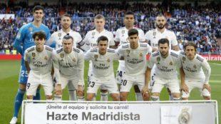 El once del Madrid ante el Valladolid en el Santiago Bernabéu / Apo...