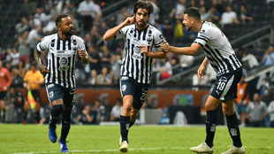 Rodolfo Pizarro celebra su gol ante Veracruz