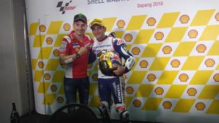 Jorge Lorenzo, felicitando a Jorge Martín en Sepang