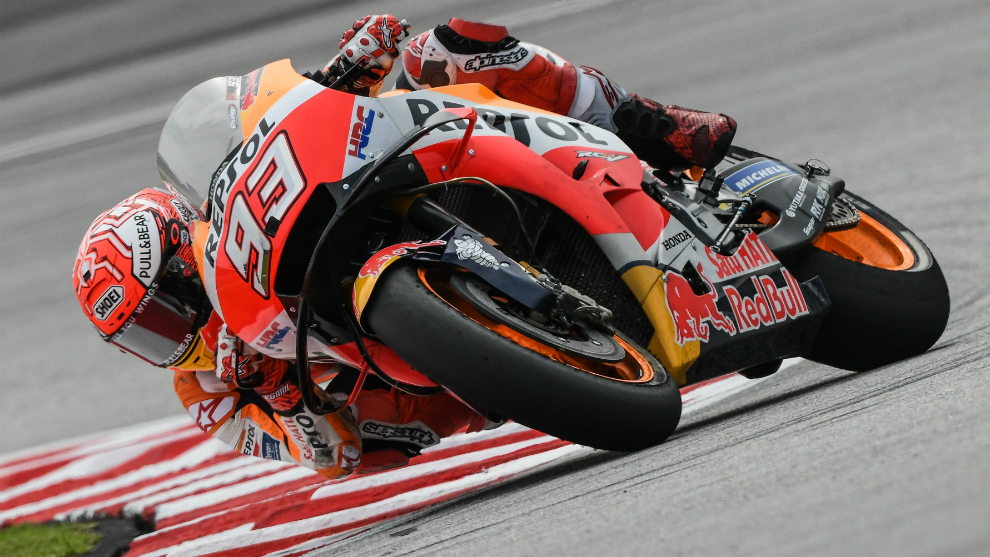 Motogp 2018 Marquez Comes Out On Top As Rossi Falls Marca In English