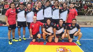 Jugadores y cuerpo técnico de la delegación española en Paraguay.