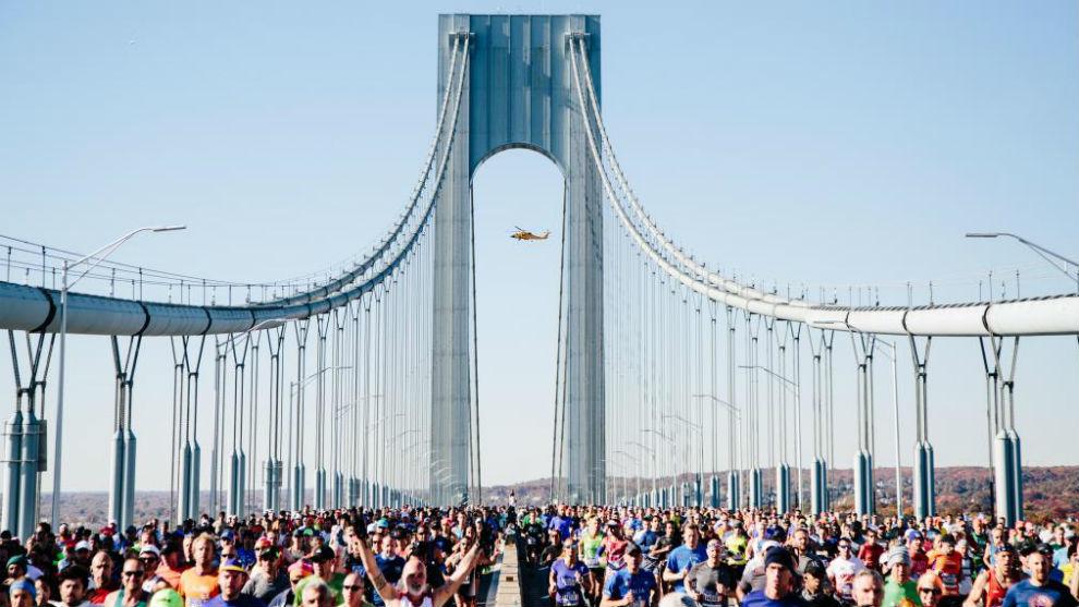La 48º edición comenzó en Staten Island y atravesó el puente...