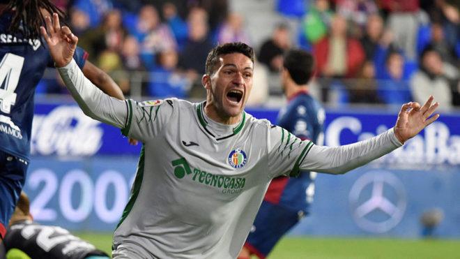 Jorge Molina celebra su gol.